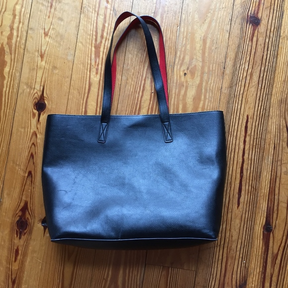 160d15c5c0 Old Navy Black and Red faux Leather Tote. M 5b4d2fc2baebf6312681739f